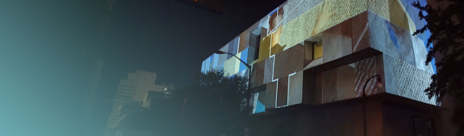 building-square-projection-mapping-blue